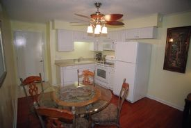A2B Sands, walk to beach, Coligny Area